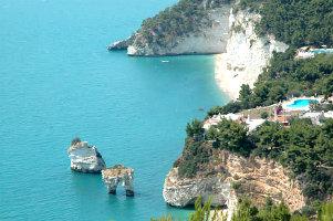 vacanze-in-puglia-a-vieste-sul-gargano-itinerario-di-viaggio-tra-grotte-spiagge-e-l-entroterra-del-gargano