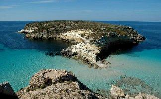 vacanze-sull-isola-di-lampedusa-in-sicilia-spiagge-mare-e-storia-itinerario-di-viaggio-a-lampedusa