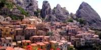 Cosa vedere in Basilicata: itinerario di viaggio sulle Dolomiti Lucane del Parco regionale di Gallipoli Cognato