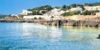 Salento (Puglia): vacanze a Castro Marina. Castello e cattedrale, spiaggia di Castro, grotte