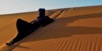 Fare trekking nel deserto: tour organizzati a piedi e in fuoristrada. Viaggi Avventura