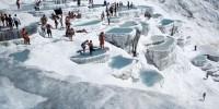 Turchia-Pamukkale: fonte termale e terrazzamenti calcarei che formano piscine naturali