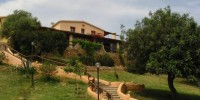 Sardegna-Vacanze all' agriturismo I Mandorli (Nuoro): piscina all' aperto e cucina tipica