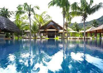 Seychelles vacanze al labriz resort con ristorante sushi for Bungalow con cantina sciopero