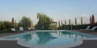 Toscana-Grosseto: agriturismo con piscina vicino al mare a Capalbio. Agriturismo Ghiaccio Bosco