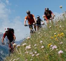 vacanze-benessere-sulle-dolomiti-del-trentino-alto-adige-ad-ortisei-bolzano-escursioni-in-montagna