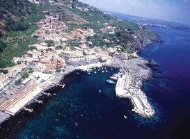 vacanze-in-sicilia-ad-acireale-terme-natura-e-storia-itinerario-di-viaggio-in-sicilia-lungo-la-costa-di-acireale