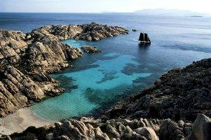 promozioni-navi-snav-traghetti-per-i-viaggi-in-sicilia-e-sardegna-offerta-tutto-incluso-per-settembre-2009