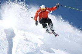 Vacanze a Kitzbuhel in Austria 160 km di piste da sci e la pista Streif per sciatori esperti. Hotel e Ristoranti